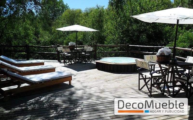 Muebles de jard n sillas sillones mesas plegables sombrillas for Muebles de madera para jardin