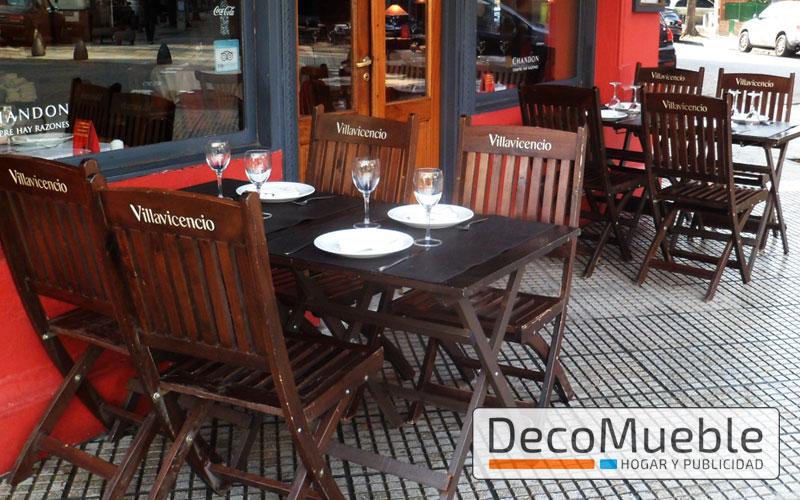 Muebles para bar sillas sillones director mesas plegables for Muebles de madera para bar